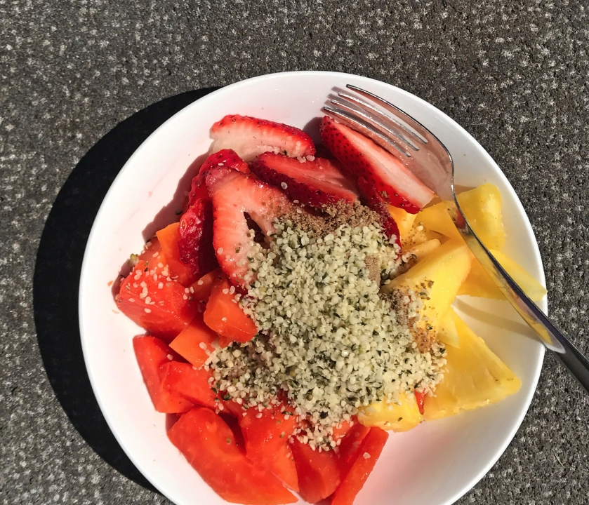 Breakfast fruit with hemp seed